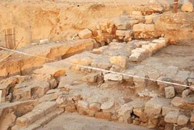 arabia-saudita-hallo-inscripciones-jeroglificas-que-hacen-referencia-al-faraon-egipcio-ramses-iii.jpg